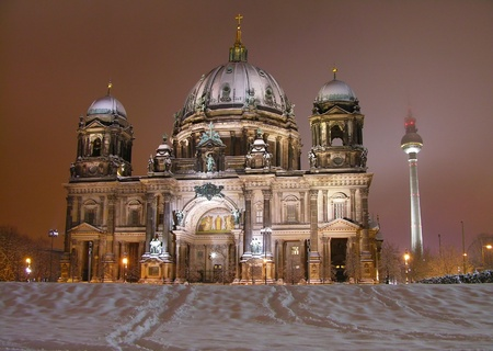 dom: Cath�drale de Berlin (Berliner Dom) en hiver, Allemagne  Banque d'images