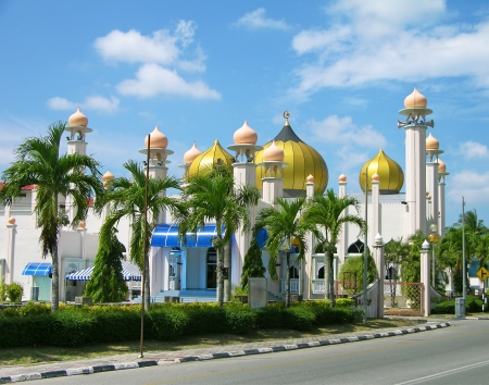 langkawi: Al-Hana mosque in Kuah town, Langkawi island, Malaysia