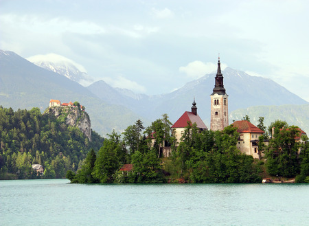 bled: Bled Castle and Assumption of Mary Pilgrimage Church on the island at Bled lake, Slovenia