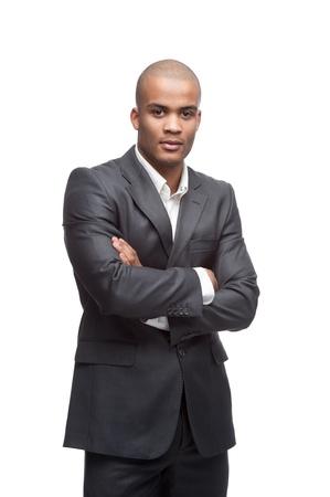 black business man: jeune joyeux debout homme d'affaires noir isol� sur fond blanc