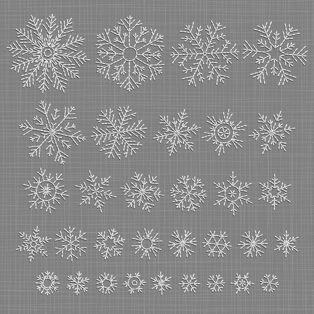 Set of different doodle hand-drawn snowflakes. Scheme of knitting and embroidery. Vettoriali