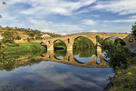 navarra: romanesque bridge over river Arga, Puente La Reina, Road to Santiago de Compostela, Navarre, Spain