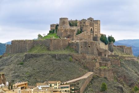 castello medievale: Cardona castello � un famoso castello medievale in Catalogna Ora � un famoso hotel a conduzione statale o Editoriali