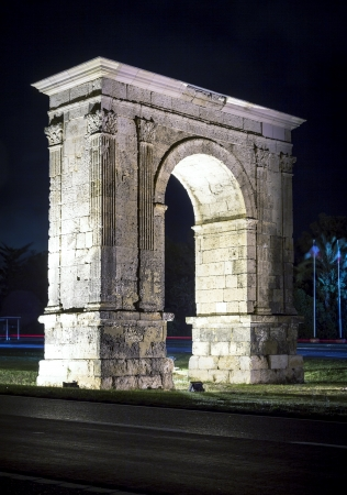 architrave: Triumphal arch of Bera in Tarragona, Catalonia, Spain