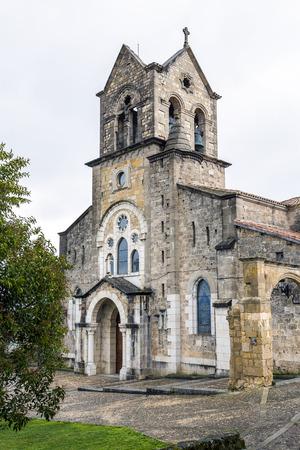 サン ビセンテ Martir の教区教会とサン ・ セバスティアン。略で、バロックをフリアス、ブルゴスの町にあるスタイルの奇妙なミックスがあります。 写真素材 - 38784828