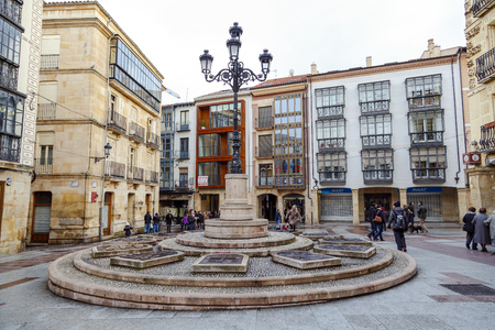 popularly: Soria, España - 25 Marzo 2016: Rosel Square and San Blas. Soria Spain. Its name comes from one of the Twelve crews in which was divided the city of Soria. Popularly is known Plaza de la Tarta because of the Monument to the Twelve Lineages, available re