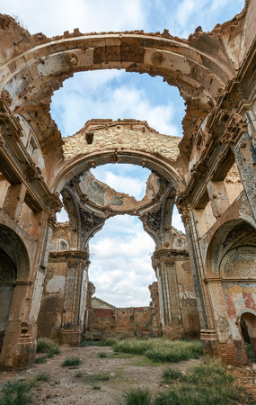 ebro: Belchite is a town in the province of Zaragoza Spain. Is known to have been the scene of one of the symbolic battles of the Spanish Civil War, the Battle of Belchite. Now it is abandoned. Editorial