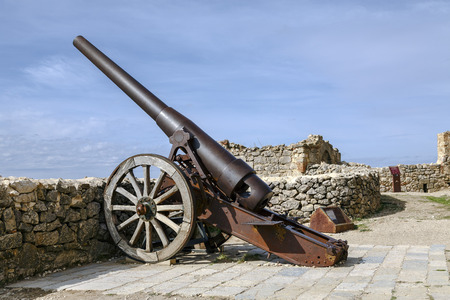 canto: Morella, Spain - October 16, 2016: An Industrial Artillery Piece at the Morella Castle This canon was Placed in 1954 by the General Captain of Valencia Abriat Miguel Canto.