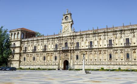 レオンの 16 世紀のサン ・ マルコス修道院。スペイン 写真素材