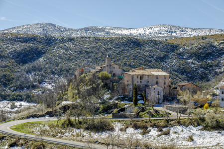 belongs: High mountain village of Perves of the region of the high Ribagorza Lleida Catalonia Spain. It belongs to the municipal term of Pont de Suert, and has a census of 5 inhabitants