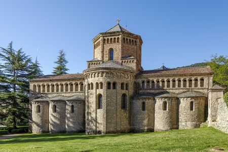 Santa Maria de Ripoll monastery Catalonia Spain. Founded in 879 is considered the cradle of the catalan nation. Stockfoto