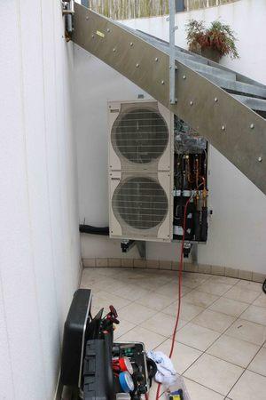 heat pump: Heat pump Suction