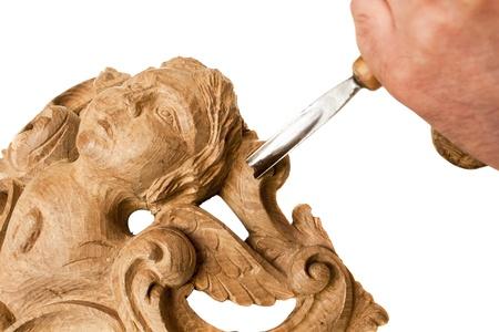 artesano: tallado en madera con las herramientas de trabajo, aislado Foto de archivo