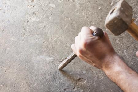 the hammer: alba�il hombres las herramientas de trabajo, los antecedentes de la construcci�n Foto de archivo