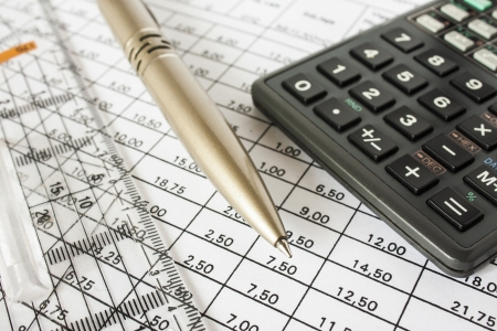 bills pen and calculator,accounting Stock Photo - 16030195