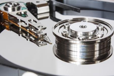 disco duro: Primer plano de la unidad de disco duro abierto