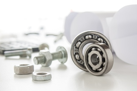 roller bearing and mechanic with tools Stockfoto