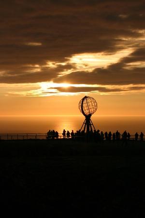 真夜中 (な) ノルウェーの有名な北岬 写真素材 - 8473725