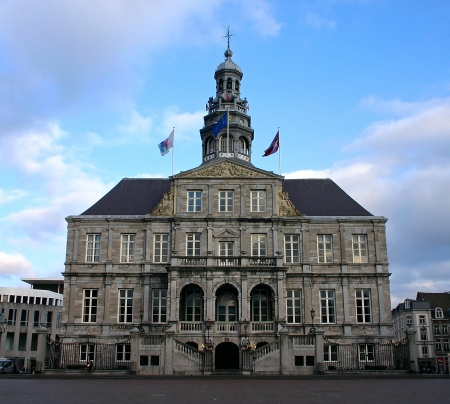 The city hall and market place in Maastricht - Netherlands Standard-Bild
