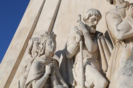descubridor: Monumento a los Descubrimientos (Padrao dos Descobrimentos), Lisboa, Portugal Foto de archivo