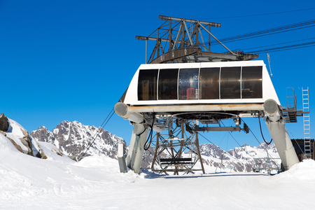oz: The ski lift at the Alpette in Vaujany and Oz en Oisans
