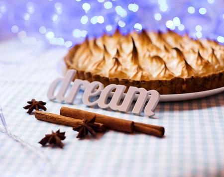 apple pie with meringue tart