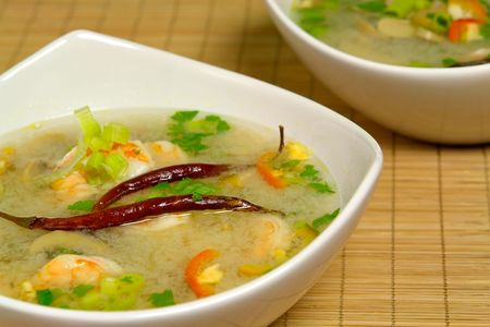 heals: Hot-and-sour prawn soup served Stock Photo