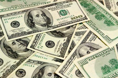 bankroll: Hundred dollar bills
