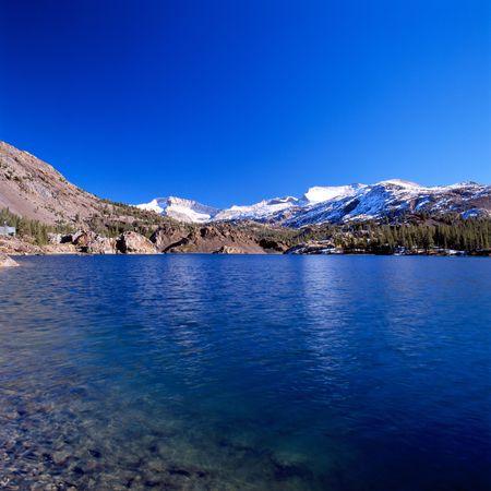Yosemite parks lake a midday Stock Photo - 847592