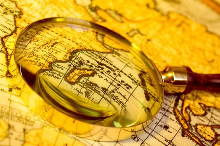 enlarged: Antique lente d'ingrandimento e Antique Map
