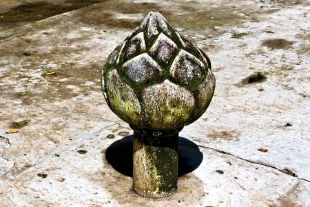 Stone lotus carve