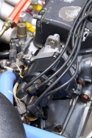 Primer plano de un motor en un coche photo