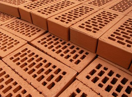clinker: Mucchio di mattoni disposti di nuovi sul sito