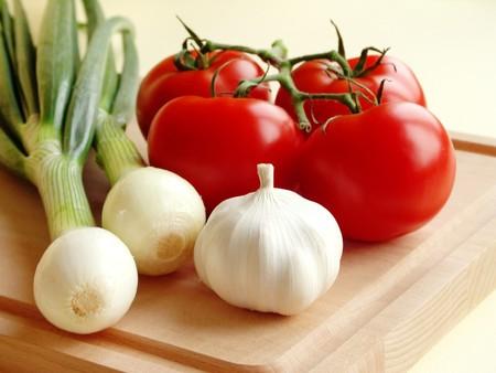 cebolla blanca: Hortalizas frescas en el tablero