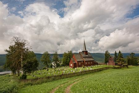 Bardzo stary ko?ci�? w Hegge - ma?a wioska w Norwegii. Zdjęcie Seryjne
