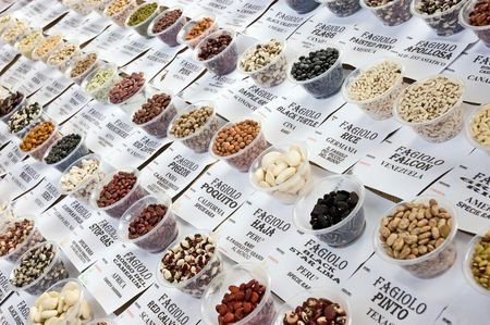 turtle bean: Market - different kinds of pea and bean
