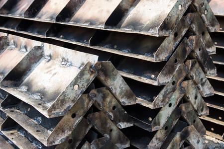 modificar: modificar la construcción de columnas de acero marco en el sitio Foto de archivo
