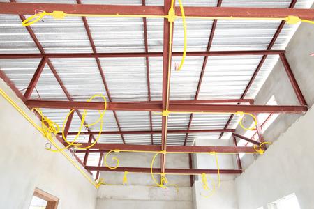 cables electricos: Tuber�as y cables el�ctricos en construcci�n
