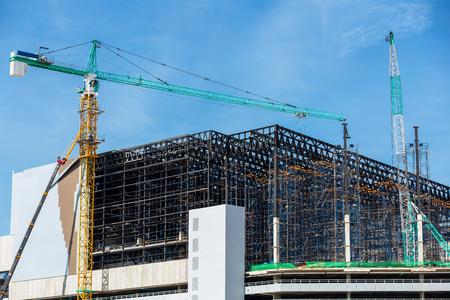Grue à tour d'utilisation industrielle de bâtiment dans le chantier de construction