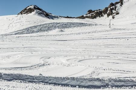crosscountry: Crosscountry skiing slopes in the mountains