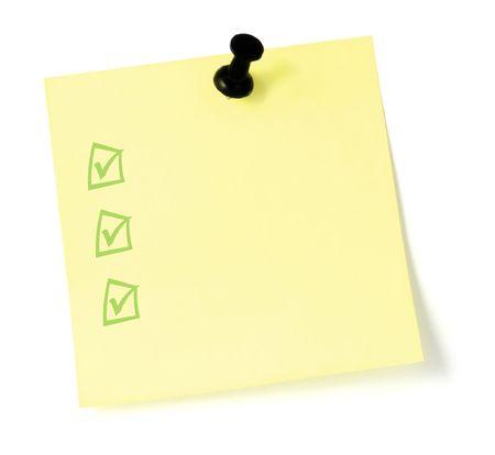 todo: Blank jaune Post-It  liste de t�ches avec une �pingle push, isol� sur fond blanc