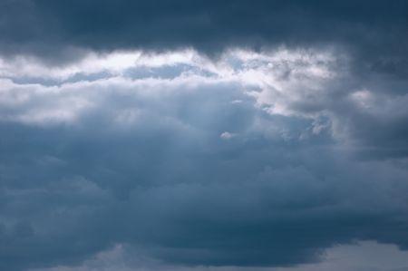 slight: Moody Sea Cloudscape, slight sunbeams