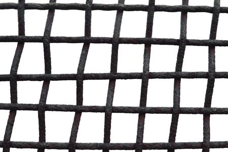 oxidado: Old años de edad cerca resistida oxidada Rejilla jaula reja de hierro, aislado sucio Horizontal Primer macro detallada, Bares del moho de Grunge de malla metálica Detalle, Marco de la vendimia concepto de seguridad metáfora