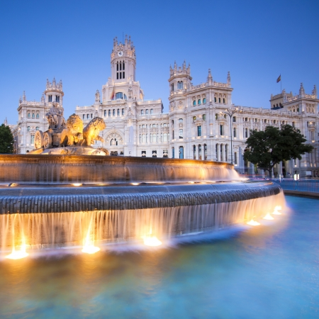 Plaza de la Cibeles (Cybele's Square) - Central Post Office (Palacio de Comunicaciones), Madrid, Spain. Imagens - 10462997