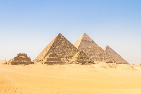 The pyramids of Giza, Cairo, Egypt;  the oldest of the Seven Wonders of the Ancient World, and the only one to remain largely intact Stock Photo