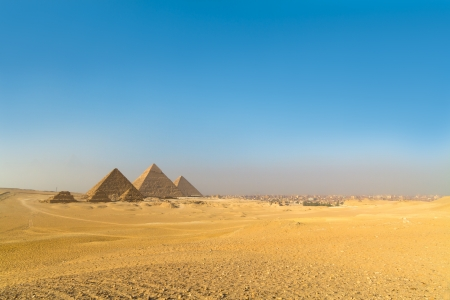 intact: The pyramids of Giza, Cairo, Egypt;  the oldest of the Seven Wonders of the Ancient World, and the only one to remain largely intact Stock Photo
