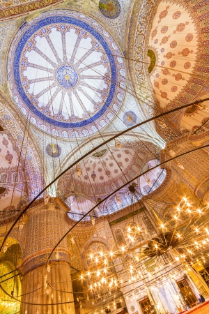 blue mosque: Interior of the Sultanahmet Mosque (Blue Mosque) in Istanbul, Turkey