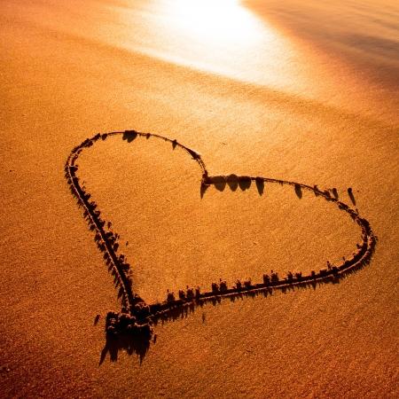 heart in sand: Heard drawn in the sand on the atlantic coast