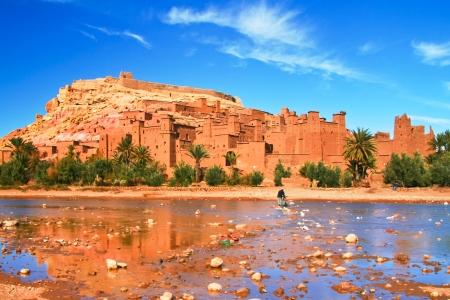 desierto del sahara: Panorama de la antigua kasbah marroquí Ait Ben Haddou, cerca de Ouarzazate, Marruecos Foto de archivo