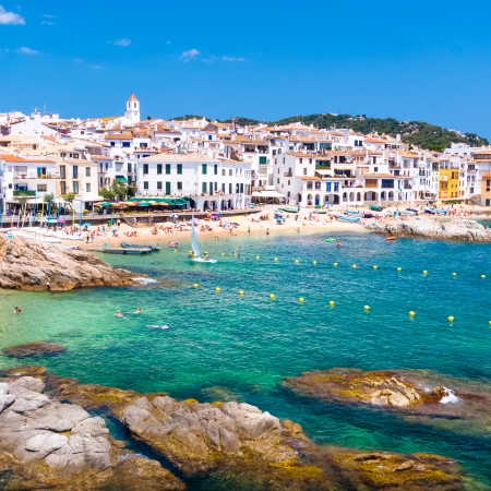 costa brava: Calella de Palafrugell, traditional whitewashed fisherman village and a popular travel and holiday destination on Costa Brava, Catalonia, Spain.